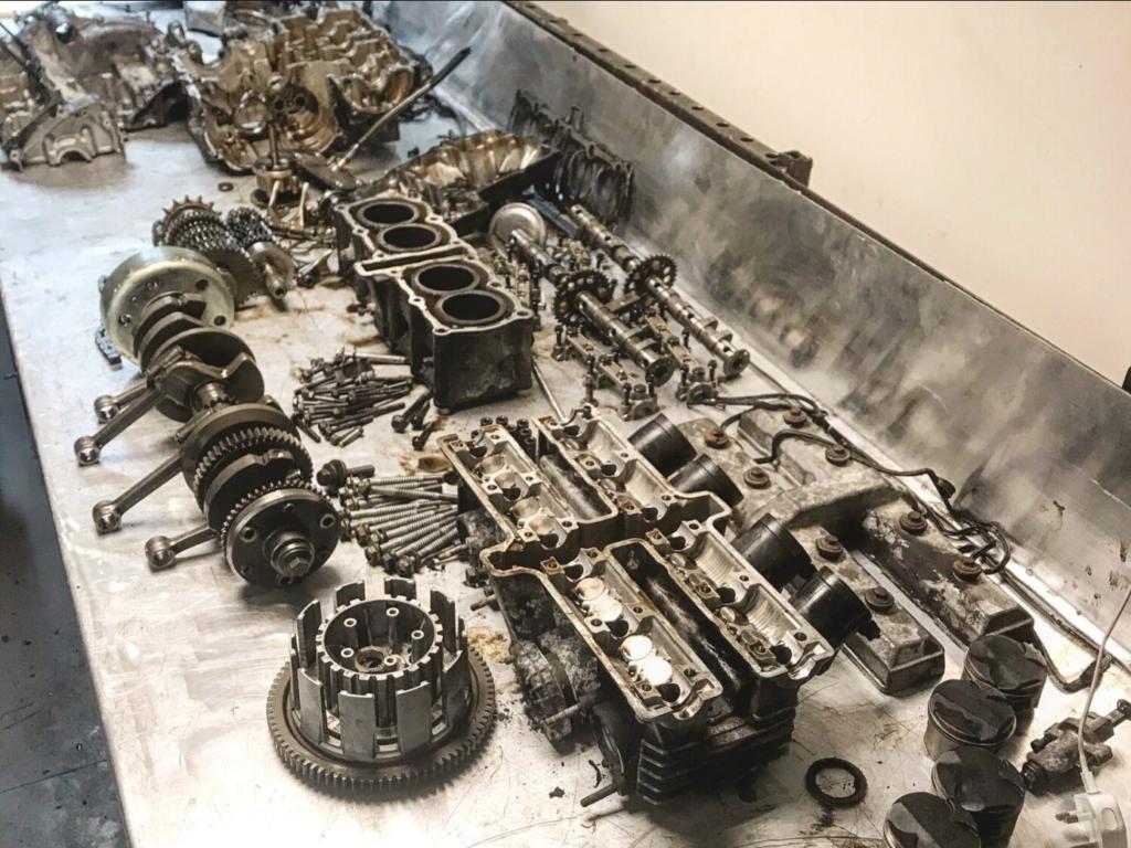 Yamaha FZR 600 Engine Stripped